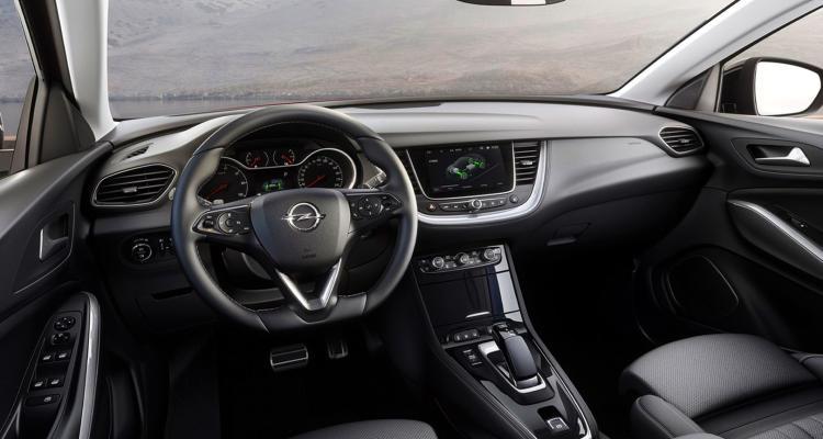 Opel-Grandland-X-Hybrid4-(11)