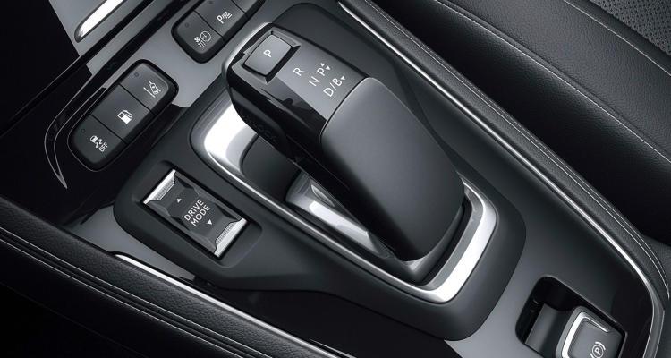 Opel-Grandland-X-Hybrid4-(12)