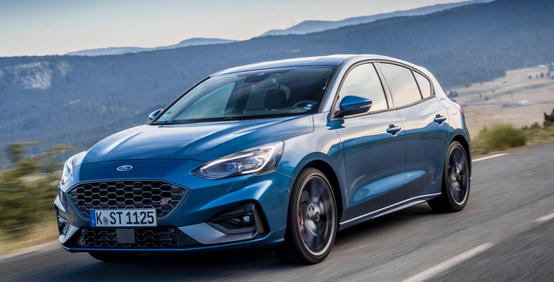 FORD_2019_FOCUS_ST_Performance_Blue_10