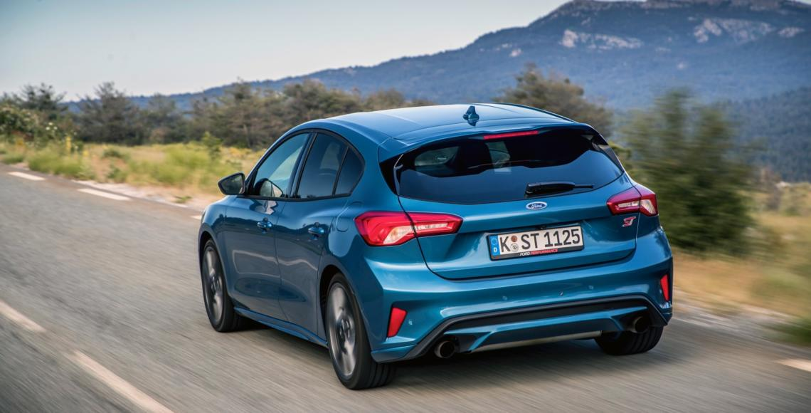 FORD_2019_FOCUS_ST_Performance_Blue_17