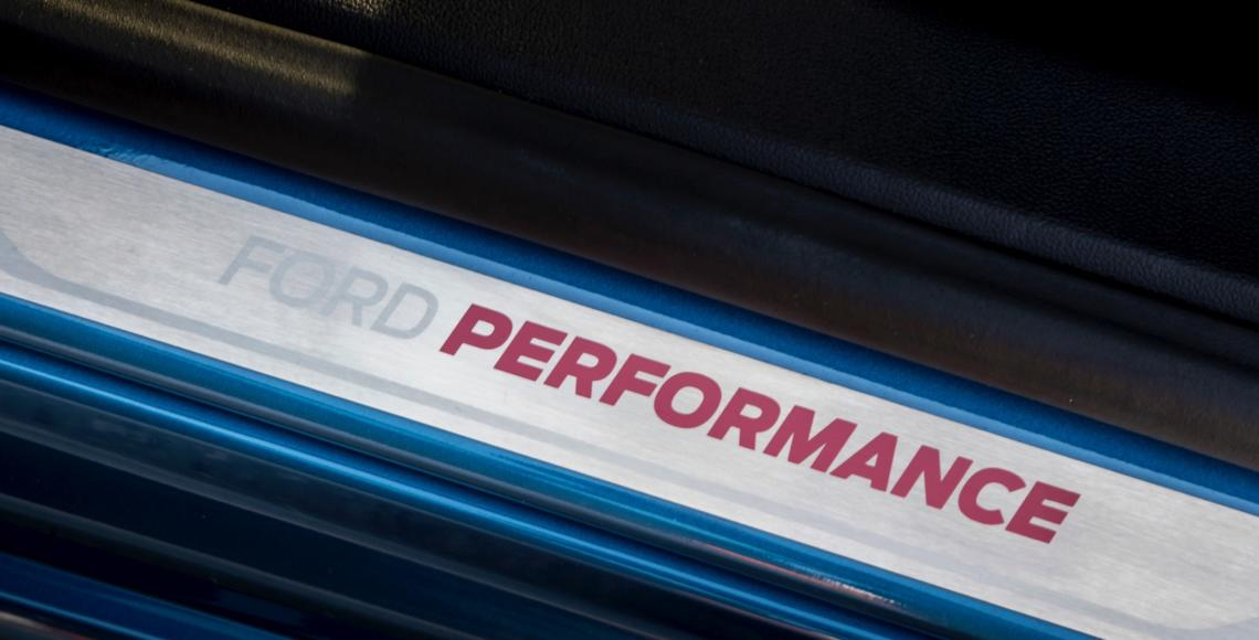 FORD_2019_FOCUS_ST_Performance_Blue_43