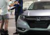 Autokauf Verkäufer lässt Hose runter